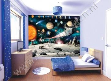 Astronaut tussen de planeten